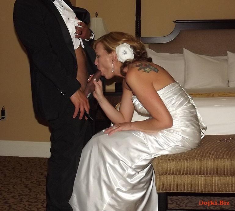 На свадьбе дал в рот сосать член невесте