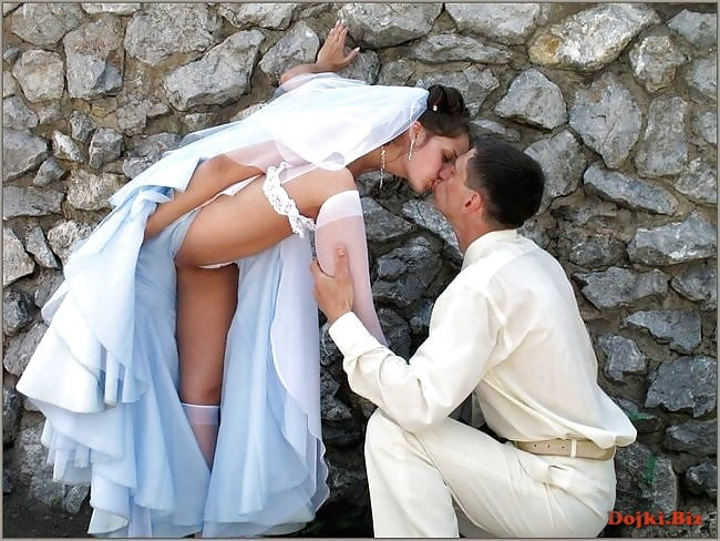 Невеста с женихом засвет на свадьбе