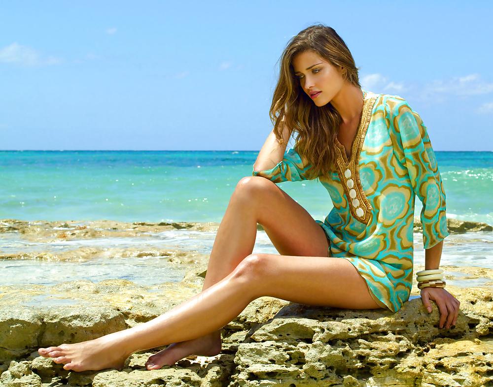 Ana Beatriz Barros 2
