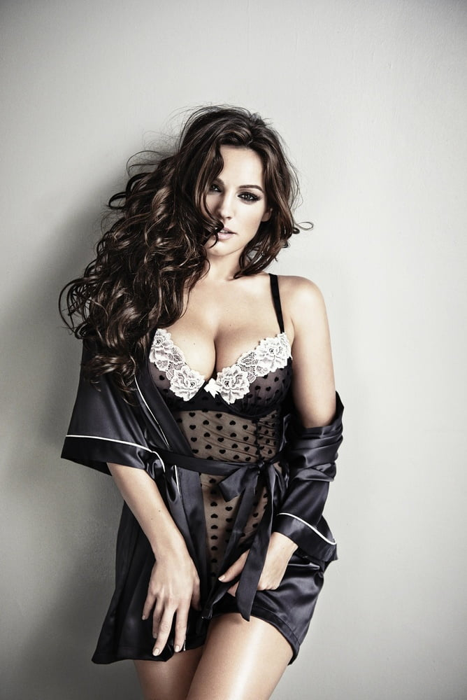 Kelly Brook 86
