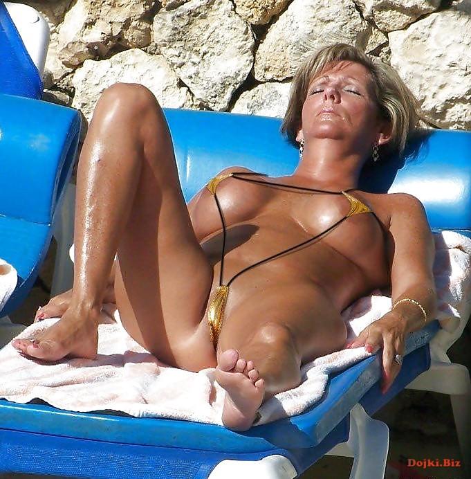 bikini-tanning-milf-hairy-wet-pussy-galleries