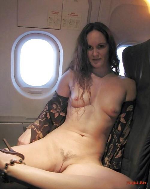 Разделась в самолёте