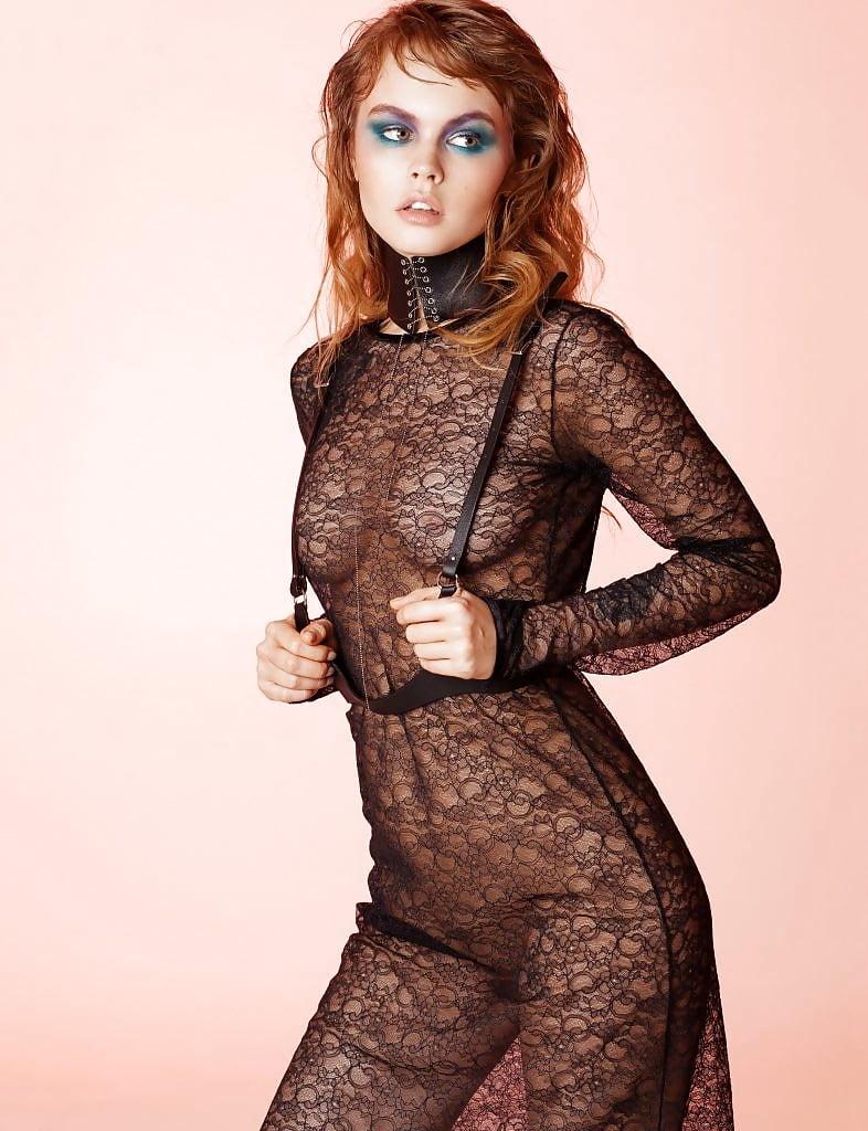 Щеглова Настя в прозрачном платье