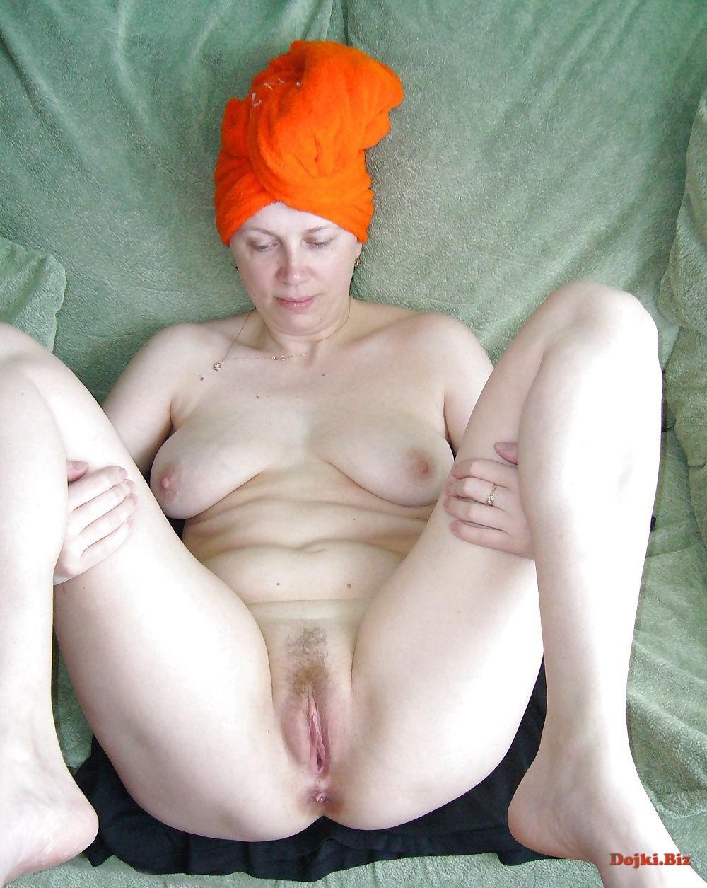Подмытая готовая к сексу жена
