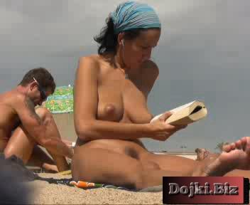 Голая турочка на американском нудистском пляже 3gp