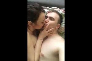 Короткое интимное видео из приватной коллекции одной пары mp4