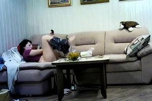 Муж работает в ночную смена дома установил скрытую камеру mp4