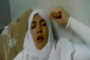 Жена арабка в хиджабе трахается с мужем mp4