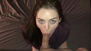 Аппетитная самочка жаждет горячего секса mp4