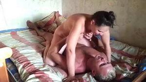 Секс с соседом для развлеченья а не по любви mp4
