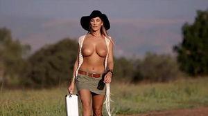 Деревенская шалава (Porn music video) mp4
