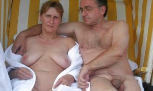 Отдых зрелой пары нагишём фото
