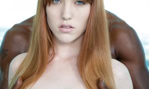 Рыжая девушка и её темнокожий ёбарь 21 фото
