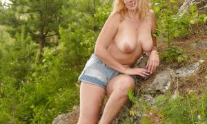 Симпатичная жена блондинка из Иркутска 19 фото