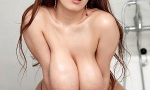 Азиатка с большой грудью фото