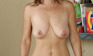 Голая замужняя с большой обвисшей грудью фото