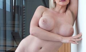 Сексуальная зреля блондинка фото