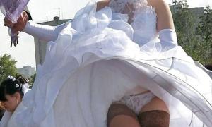 На свадьбе невеста задрала высоко платье