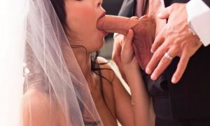 Невеста делает минет фото