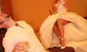 Невеста с красивыми ножками фото