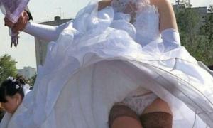 Невеста высоко платье задрала и трусики засветила фото
