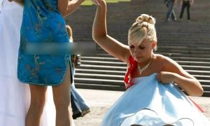 Невеста высоко задрала ногу фото