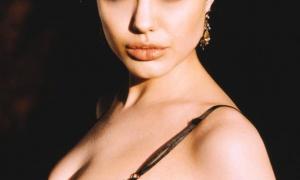 Angelina Jolie 24 фото