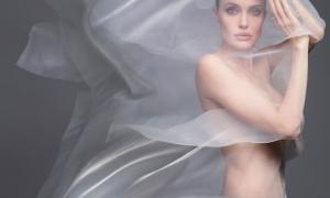 Angelina Jolie 60 фото