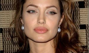 Angelina Jolie 65 фото