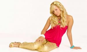 Ashley Tisdale 35 фото