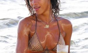 Rihanna 42 фото
