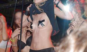Taylor Momsen 21 фото