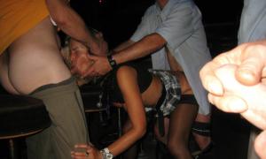 Пяную жену пустили по кругу друзья в ночном клубе фото