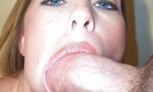 Член за щекой у девушки 9 фото