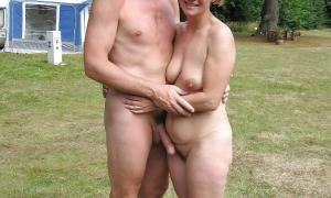 У мужа член стоит и жена довольная