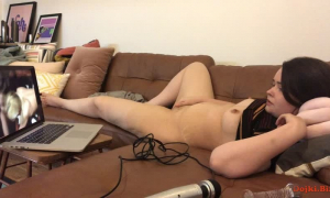 Моя жена смотрит порно без трусов фото