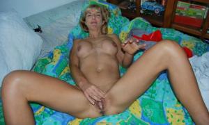 После секса у жены переполненное влагалище спермой фото