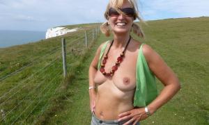 Приятно на целую грудь вдохнуть воздуха когда она обнажённая фото