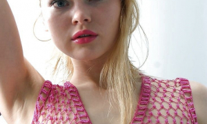 В прозрачной блузке фото